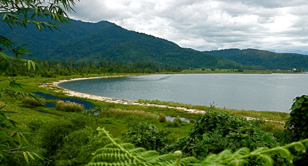 Eksotisme Tempat Wisata Danau Poso - Jelajah Keindahan ...