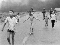 Foto Anak Terbakar Hidup di Vietnam Selatan