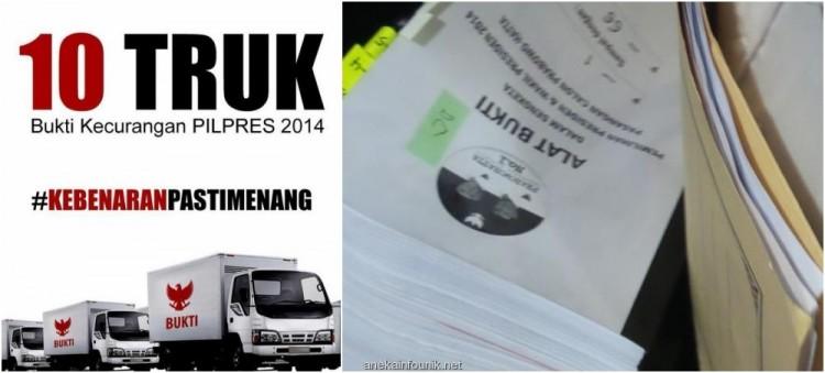 Foto 3 Bundel Dokumen Bukti Dibawa Tim Prabowo
