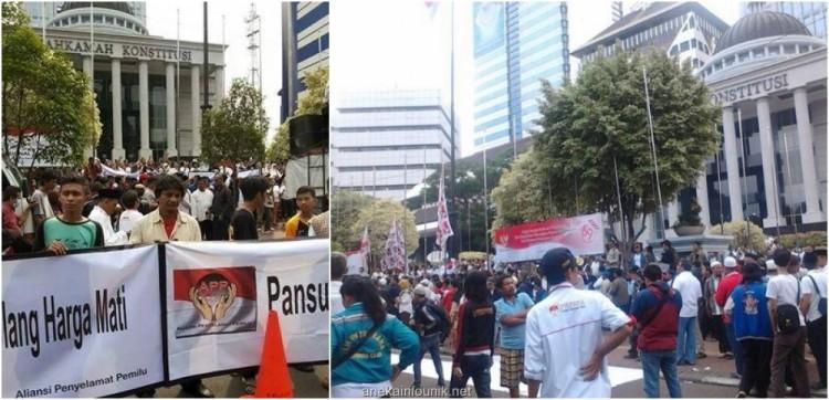 Foto Pendukung Prabowo Demo Kecurangan Pilpres di MK