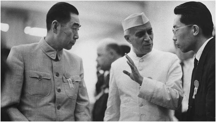 காஷ்மீர் இளவரசி - ஏப்ரல் 11 Pm-china-zhou-enlai-kiri-dan-pandit-jawaharlal-nehru-pm-india-saat-di-kaa-1955