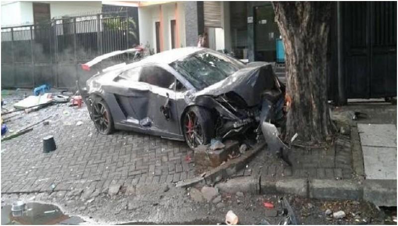 Wiyang Lautner, Pengemudi Lamborghini Resmi Jadi Tersangka