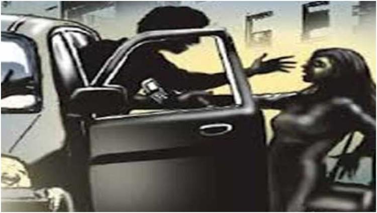 Ilustrasi pemerkosaan wanita di dalam mobil