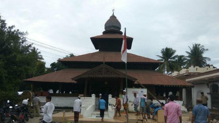 Gempa susulan saat ibadah salat Jumat di Pidie Jaya