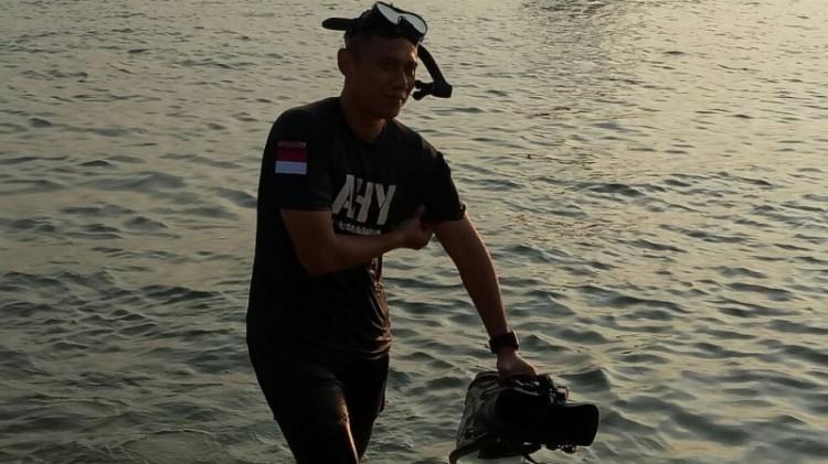 Agus Yudhoyono berenang di Kepulauan Seribu
