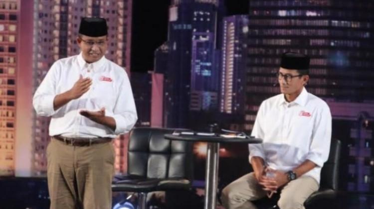 Anies Baswedan-Sandiaga Uno di debat kedua