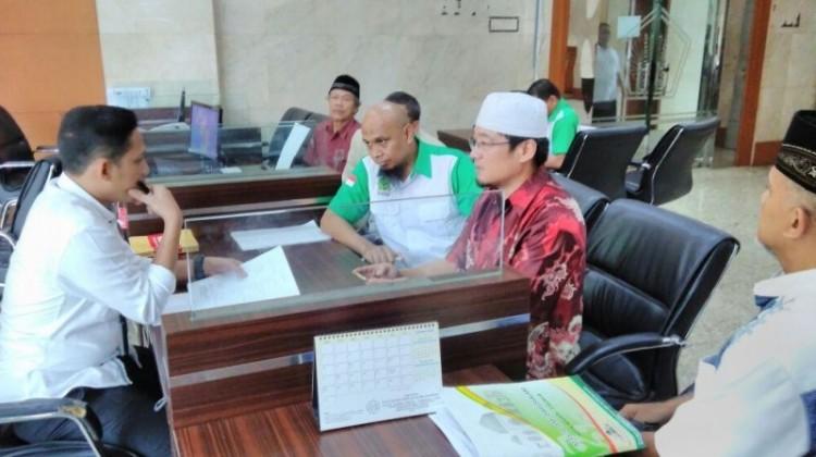 Ibnu Baskoro dan Hanny Kristianto melaporkan Ahok ke Polres Bogor