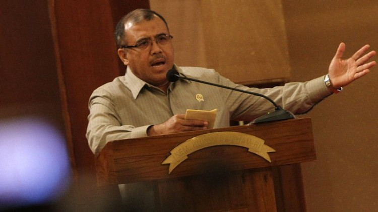 Patrialis Akbar saat menjabat MenKum HAM era SBY