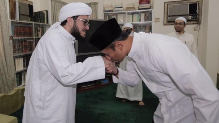Agus Yudhoyono bertemu Syehk Ahmad Maliki di Mekah