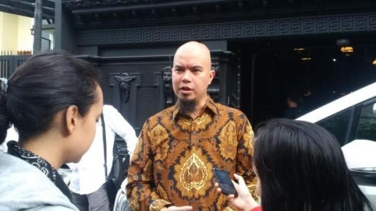 Ahmad Dhani ditanya wartawan usai nyoblos Pilgub DKI