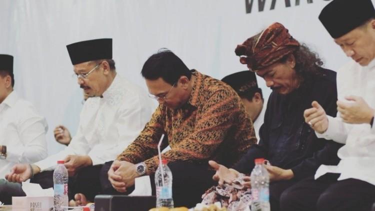 Ahok berdoa di acara Istigasah Nahdliyin DKI Jakarta