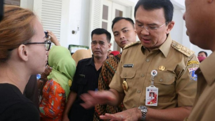 Ahok kembali menerima curhat warga Jakarta di Balai Kota