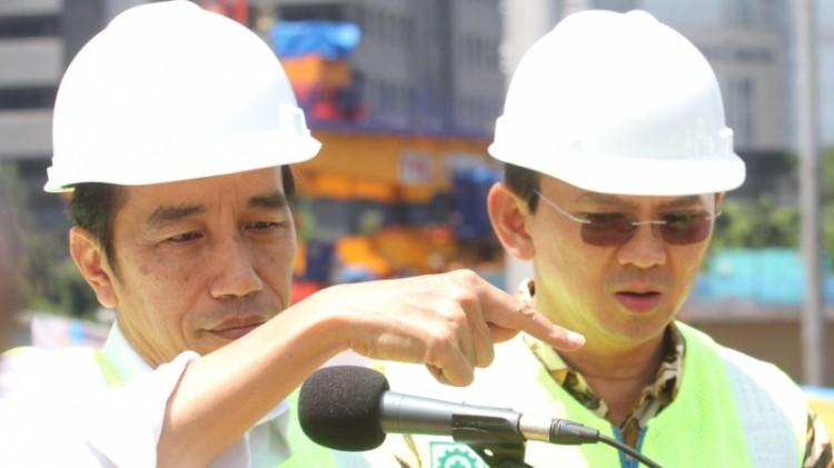 Ahok menemani Jokowi meninjau proyek simpang susun semanggi
