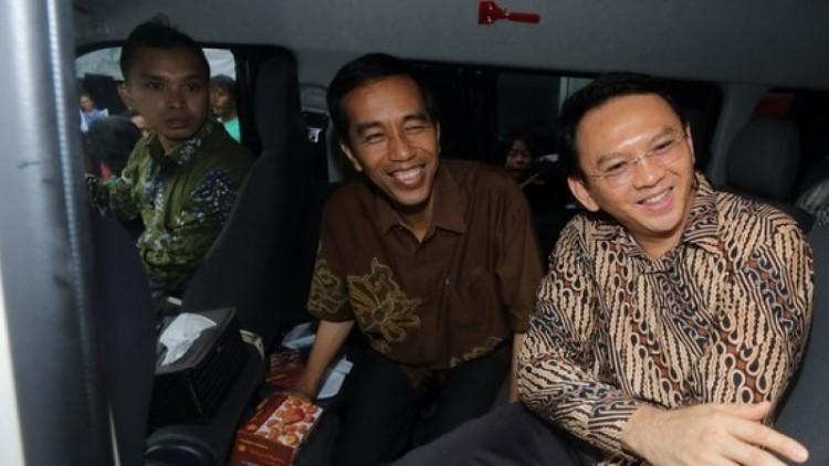 Jokowi dan Ahok saat satu mobil pada 2014