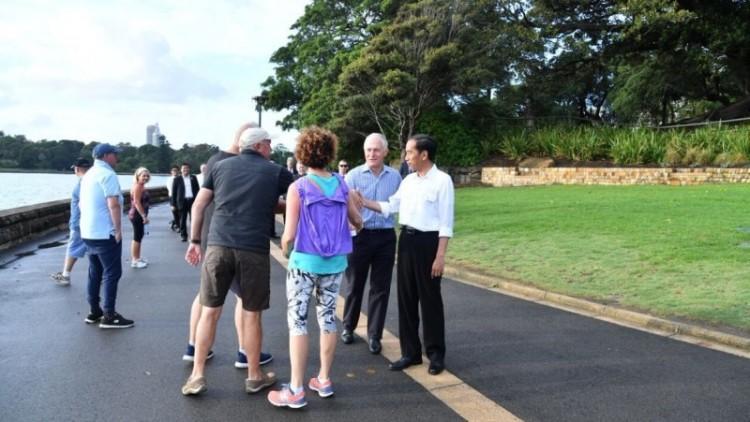 Jokowi dan Malcolm Turnbull jalan pagi di Royal Botanic Garden Sydney,