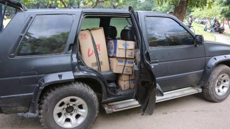 Mobil Nissan Terrano di demo dekat rumah SBY
