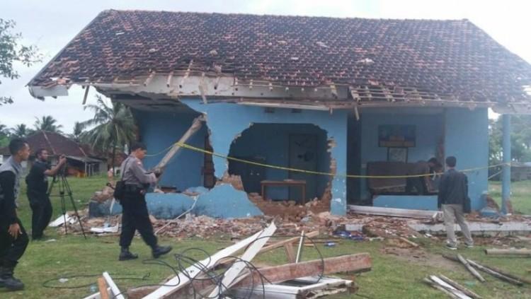 Penampakan pos TNI AU di Ujung Genteng yang dirusak warga