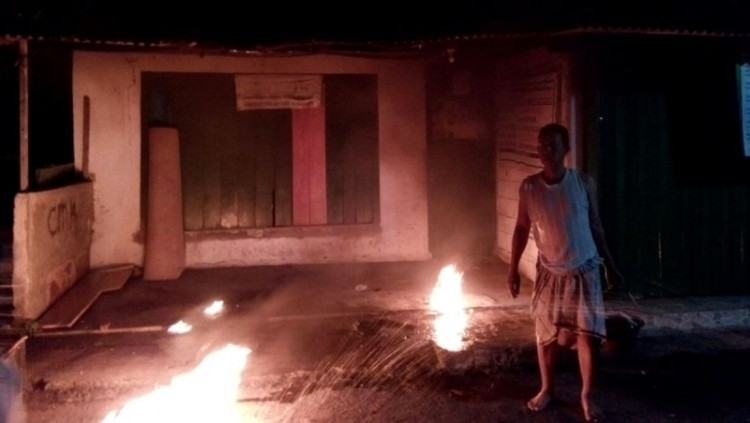 Posko DPC FPI Cimanggis yang dilempar bom molotov
