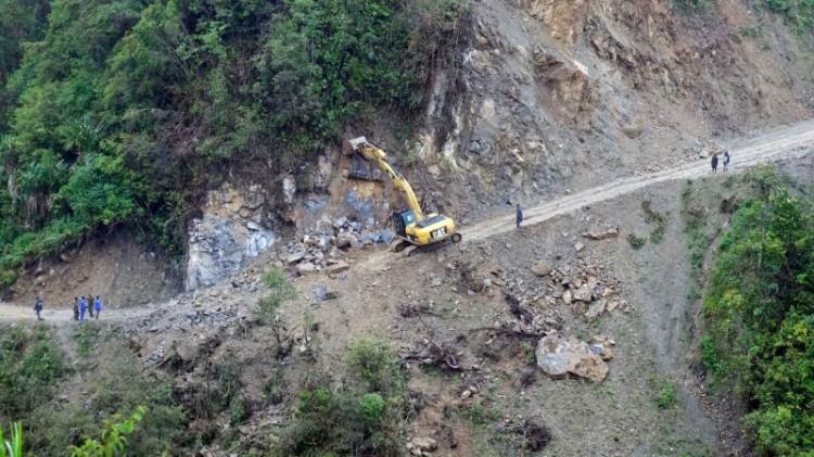 Proses pembangunan Jalan Trans Papua