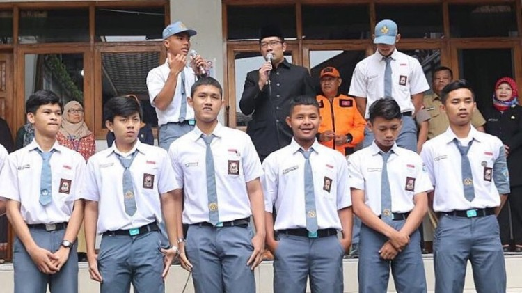 Ridwan Kamil berikan apresiasi pada siswa SMA 6 Bandung