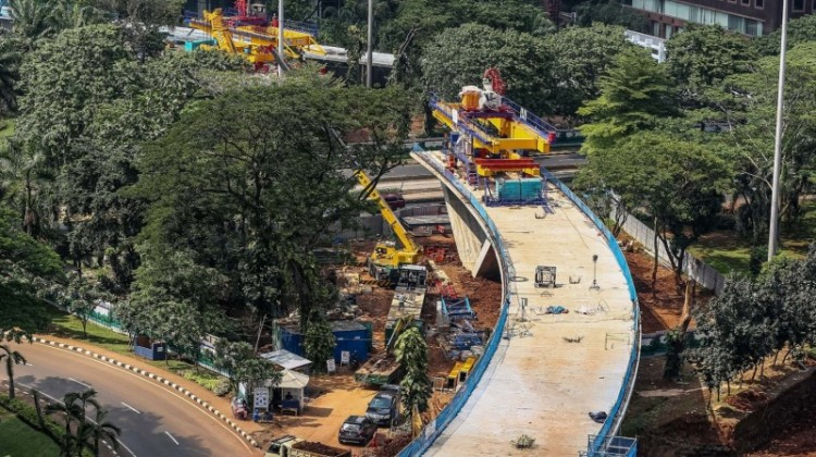 Suasana pembangunan proyek jalan layang Simpang Susun Semanggi
