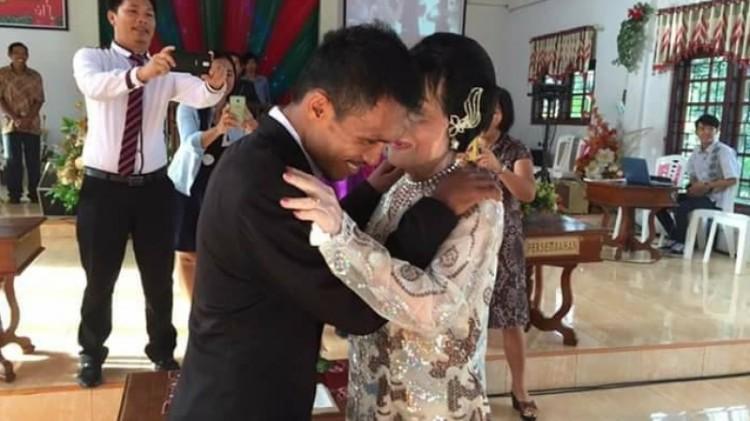 Usia pernikahan kedua terpaut 54 tahun