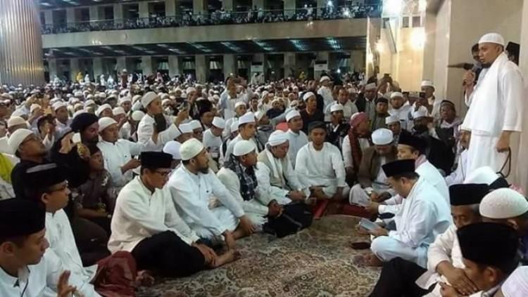 Ustaz Arifin Ilham ceramah di Masjid Istiqlal