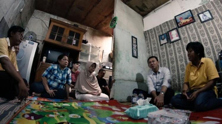Ahok berkunjung ke rumah Nenek Hindun