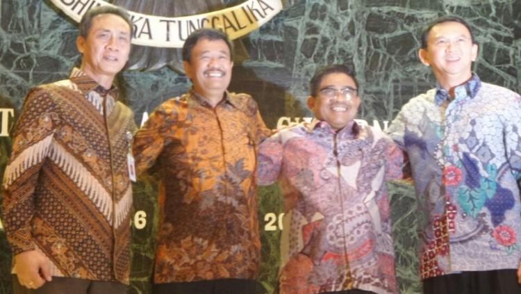 Ahok, Djarot dan Sumarsono dalam serah terima jabatan Plt Gubernur DKI