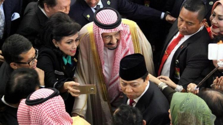 Anggota DPR berlomba mengajak selfie Raja Salman