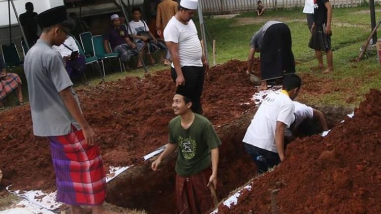 Lokasi kuburan Hasyim Muzadi saat digali
