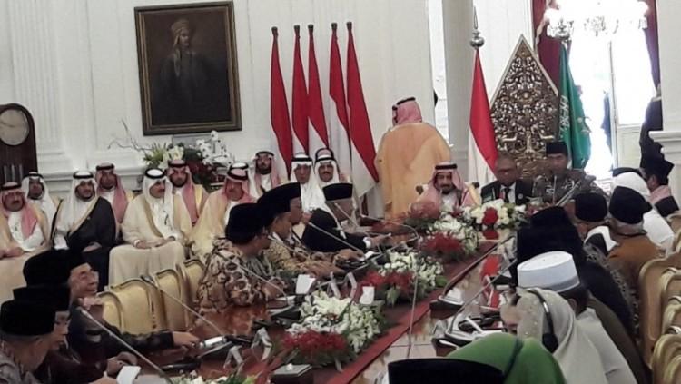 Raja Salman saat menemui ulama Indonesia di Istana