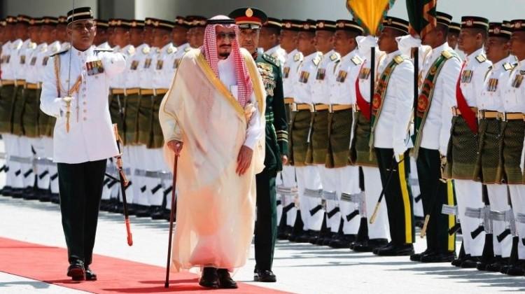 Raja Salman saat tiba di Malaysia