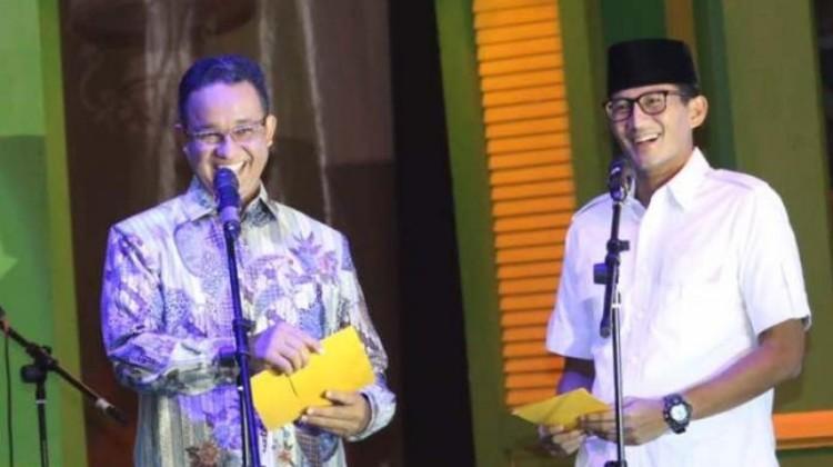 Anies Baswedan-Sandiaga Uno membacakan puisi di Milad ke-19, PKS