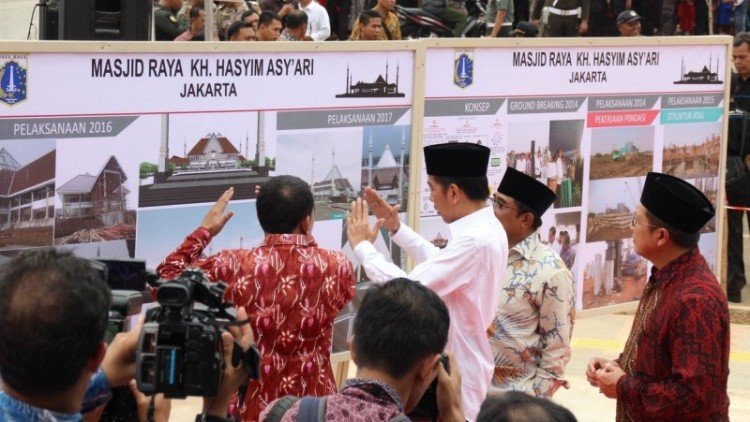 Jokowi meresmikan Masjid Raya Jakarta