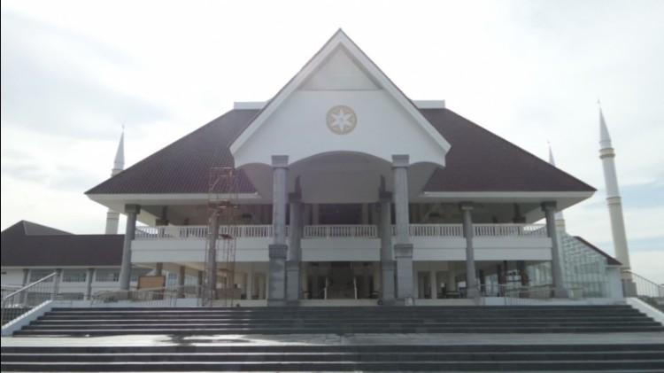 Masjid Raya KH Hasyim Ashari