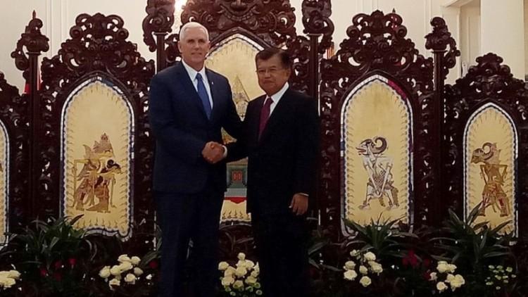 Mike Pence bertemu Jusuf Kalla