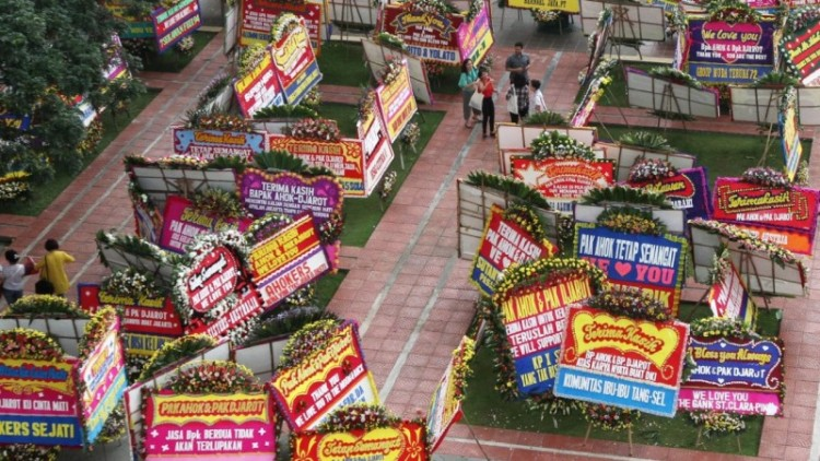 Penampakan karangan bunga untuk Ahok di Balai Kota