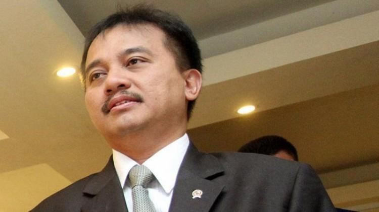 Roy Suryo menggantikan Ambar Tjahyono di DPR