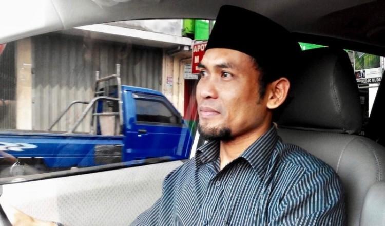 Cak Budi, aktivis sosial yang menggalang donasi di Internet