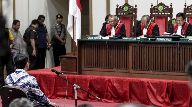 Hakim menilai Ahok memecah belah masyarakat
