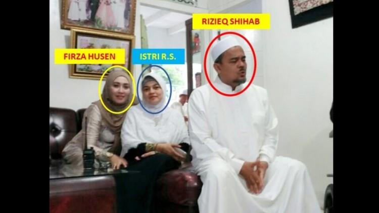 Momen pertemuan antara Rizieq dan Firza