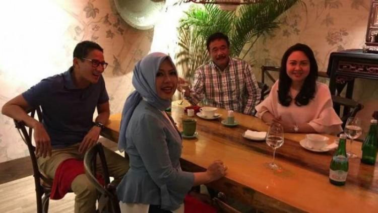 Sandiaga Uno dan Djarot saat makan bersama