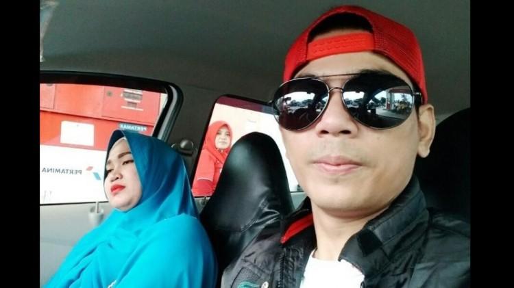 Aris Idol dan istrinya, Fany