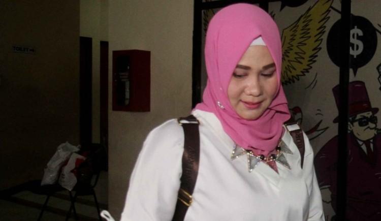 Dokter Fiera Lovita di LBH Jakarta