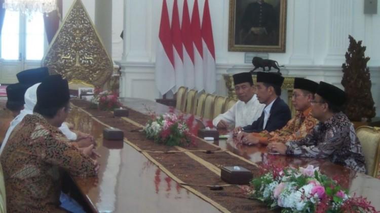 Jokowi menerima kunjungan GNPF MUI di Istana Merdeka