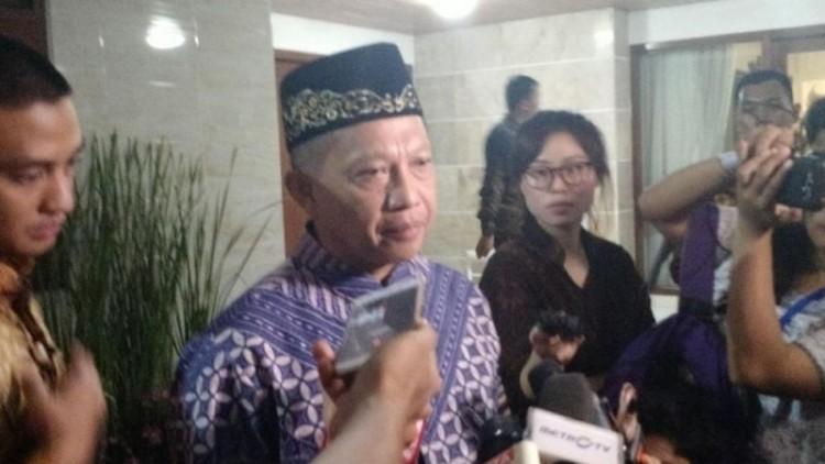 Kapolri Jenderal Tito Karnavian memberikan keterangan kepada wartawan