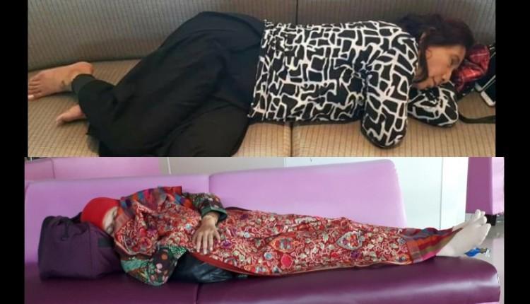 Menteri Susi dan Khofifah sedang tidur di bandara