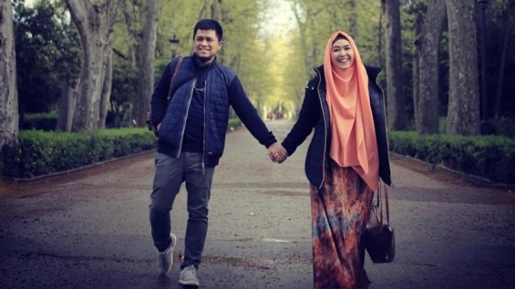 Oki Setiana Dewi dan suaminya, Ory Vitrio