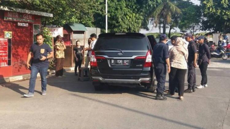Penampakan mobil milik korban penembakan di Daan Mogot